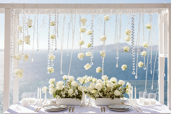 magnificent-styled-shoot-santorini-island-romantic-roses-white-pink-hues_11
