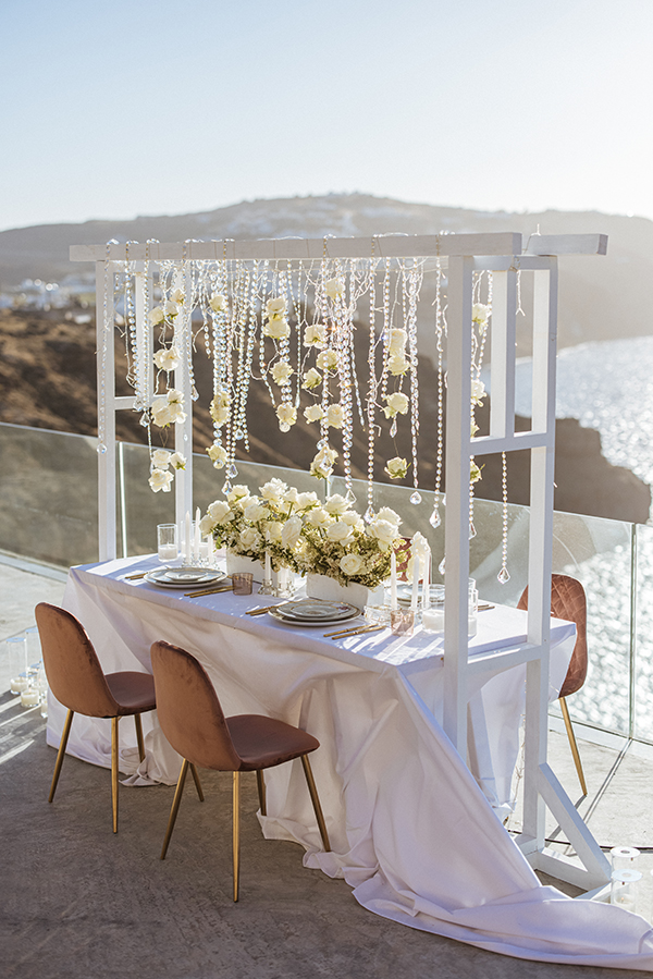 magnificent-styled-shoot-santorini-island-romantic-roses-white-pink-hues_11x