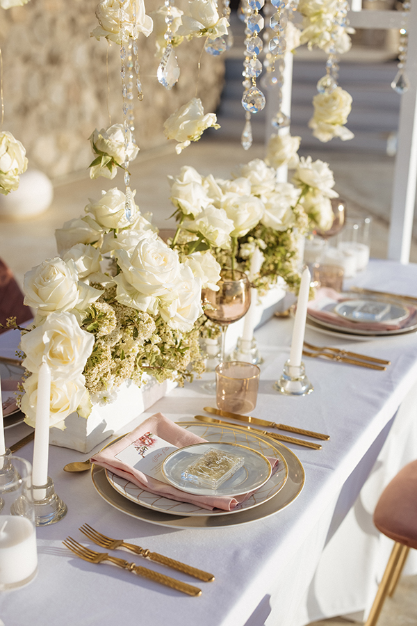 magnificent-styled-shoot-santorini-island-romantic-roses-white-pink-hues_13