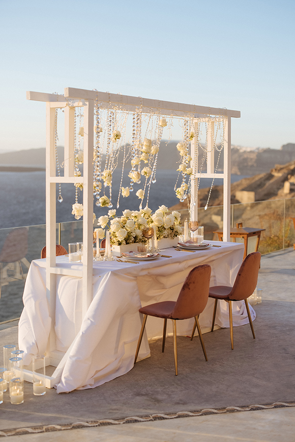 magnificent-styled-shoot-santorini-island-romantic-roses-white-pink-hues_14