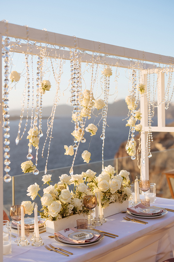 magnificent-styled-shoot-santorini-island-romantic-roses-white-pink-hues_16