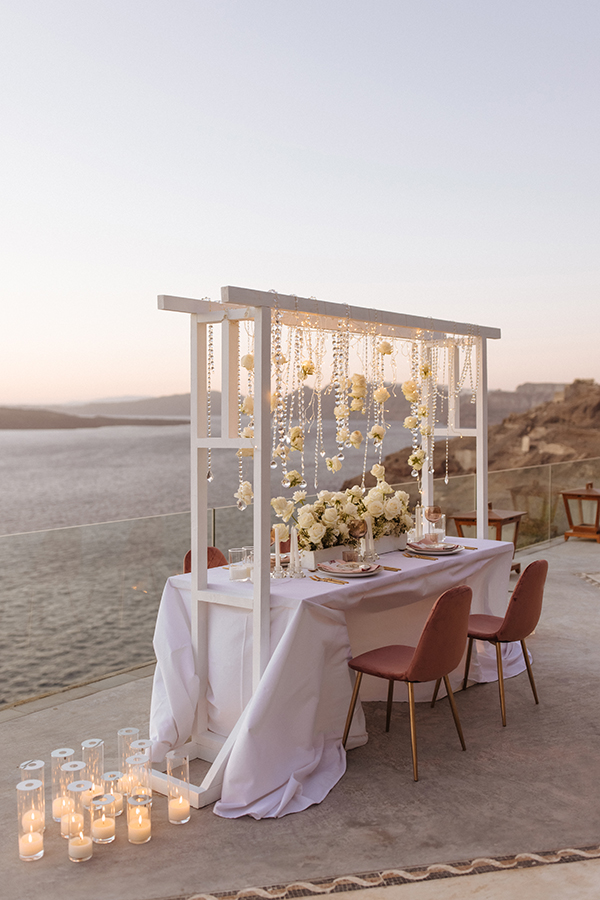 magnificent-styled-shoot-santorini-island-romantic-roses-white-pink-hues_17