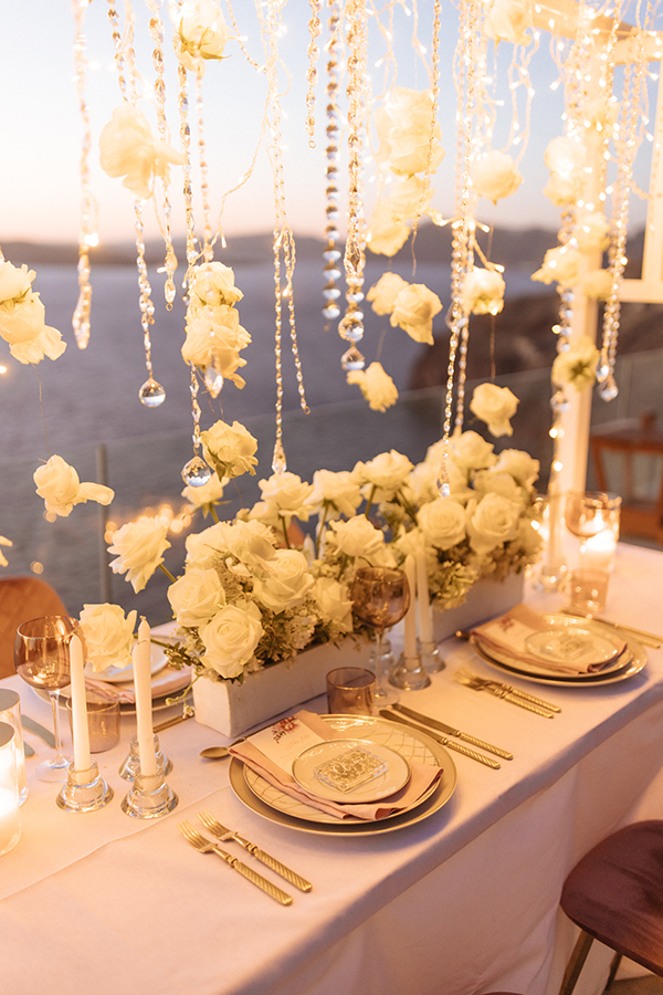 magnificent-styled-shoot-santorini-island-romantic-roses-white-pink-hues_18