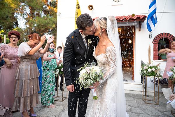 Ρομαντικός καλοκαιρινός γάμος στο Κτήμα Έλενα με ελιά και bohemian touches │ Βίκυ & Νίκος