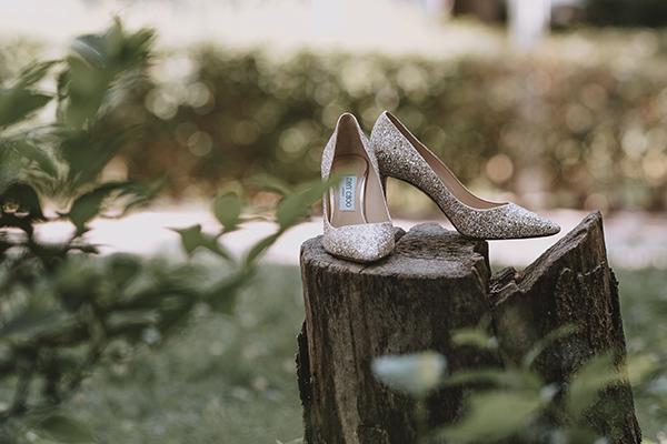 romantic-summer-wedding-venue-elena-olive-bohemian-touches_03x