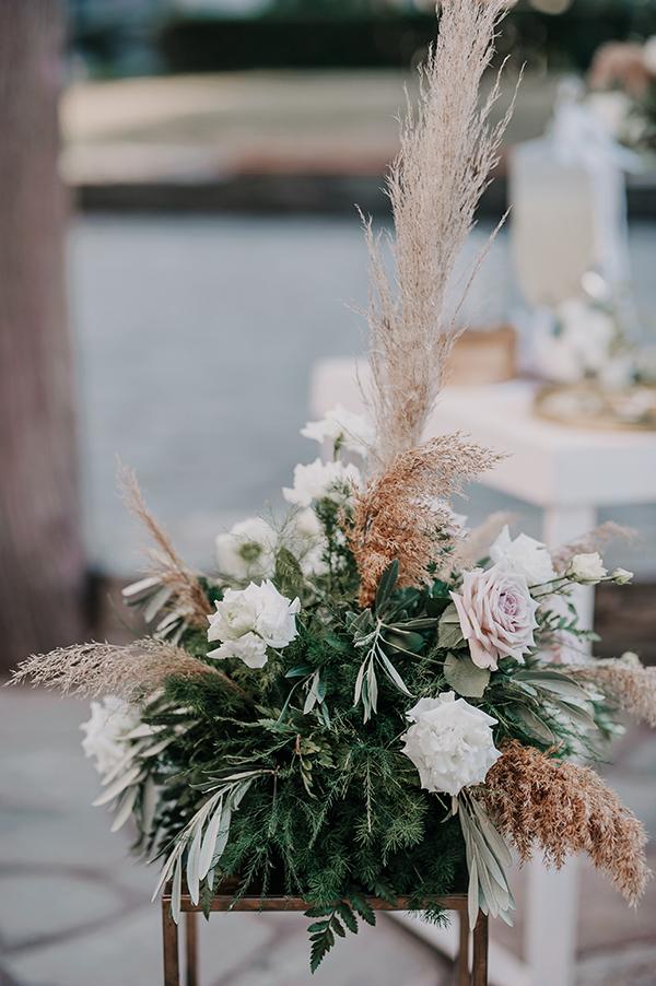 romantic-summer-wedding-venue-elena-olive-bohemian-touches_17