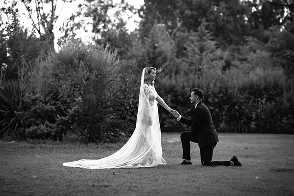 romantic-summer-wedding-venue-elena-olive-bohemian-touches_21