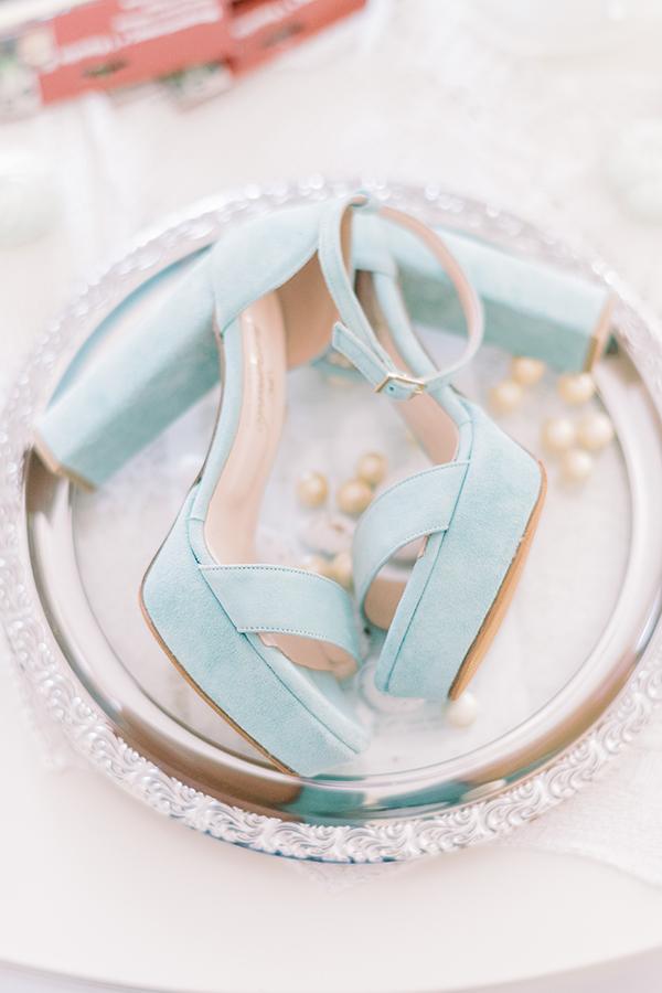 Νυφικά σανδάλια με χοντρό τακούνι σε απαλό mint χρώμα
