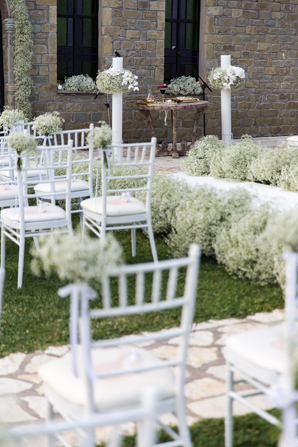 impress-guests-fantastic-decoration-blooms--orchids-baby-breath_06x