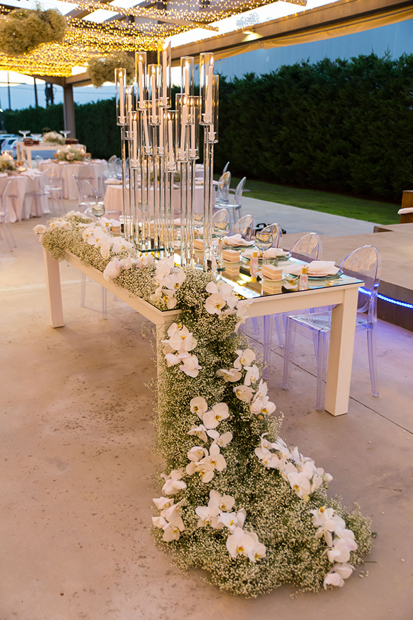 impress-guests-fantastic-decoration-blooms--orchids-baby-breath_18x