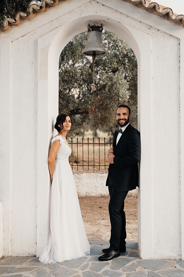 romantic-summer-wedding-paiania-white-calla-lily_02