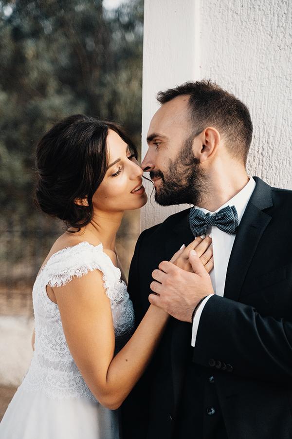 romantic-summer-wedding-paiania-white-calla-lily_04x