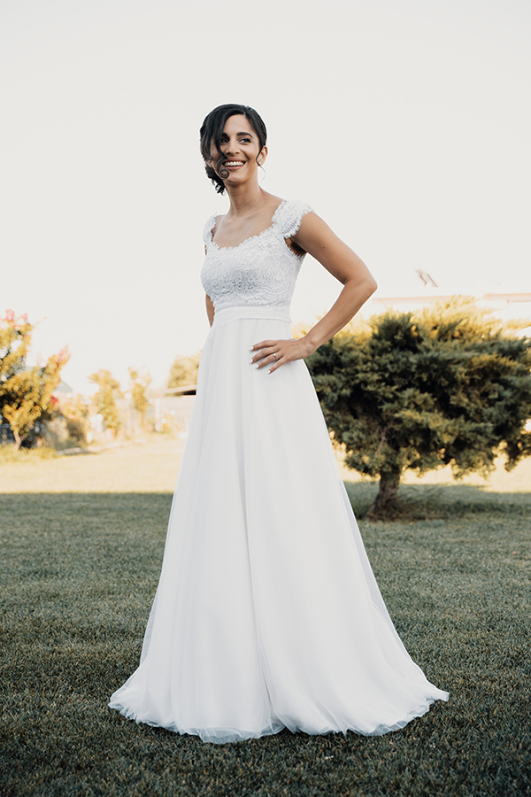 romantic-summer-wedding-paiania-white-calla-lily_13