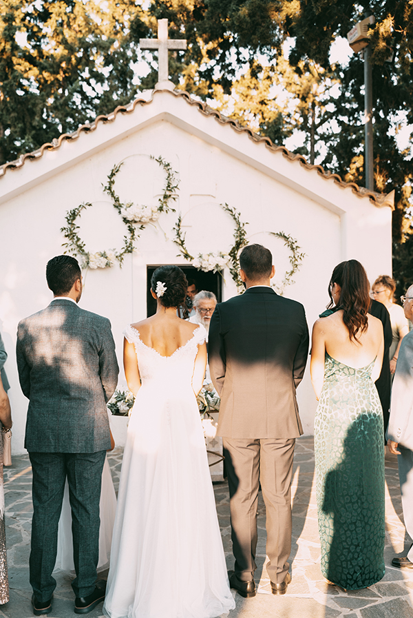 romantic-summer-wedding-paiania-white-calla-lily_23x