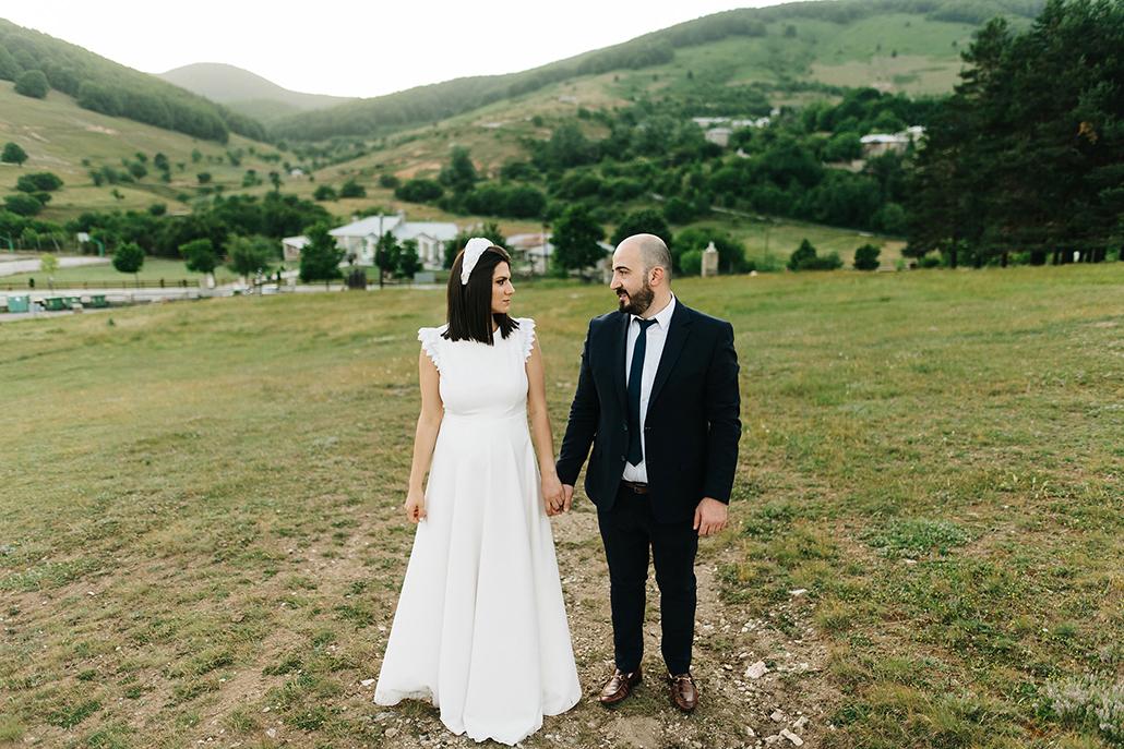 Ρουστίκ καλοκαιρινός γάμος στην Κοζάνη με παστέλ αποχρώσεις │Αποστολία & Μάκης